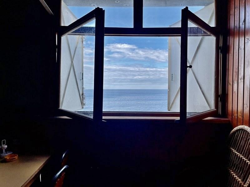 В продаже 2-х этажный причал на берегу моря.