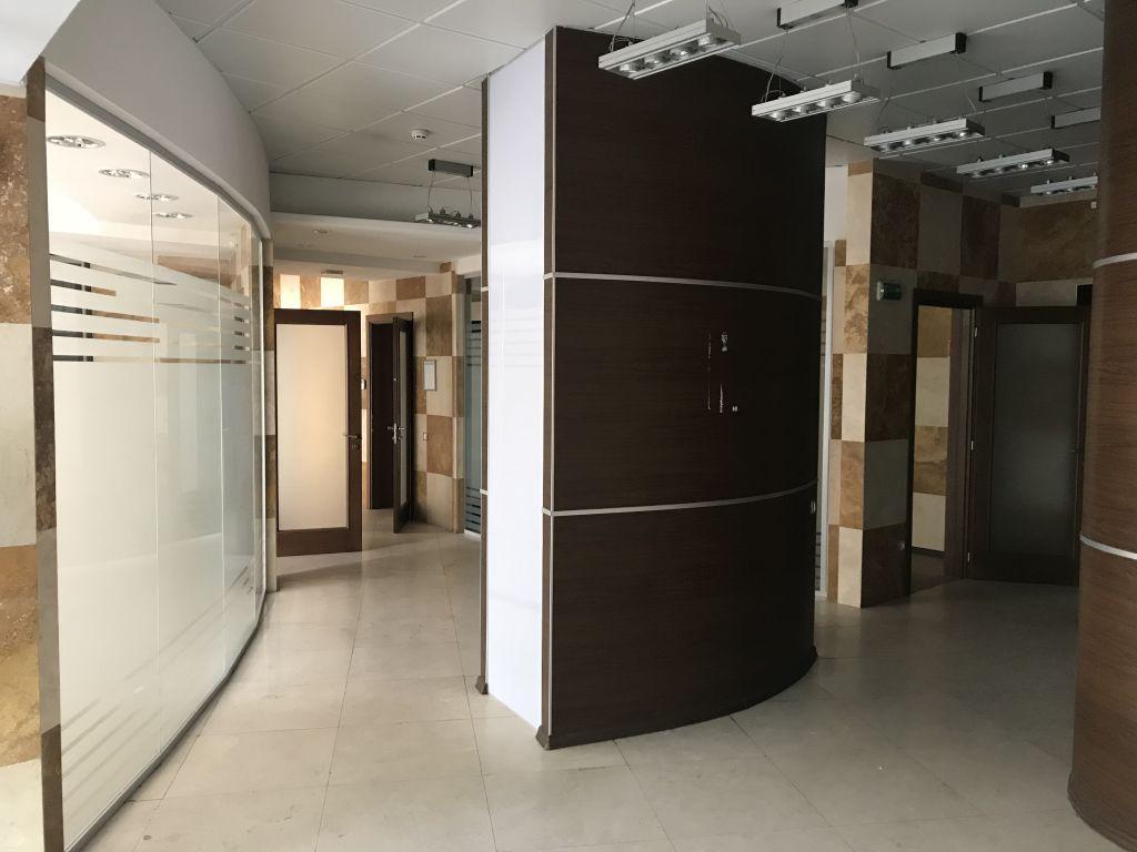 """Лидерсовский б-р, жк """"Мерседес"""", офис 193 кв.м"""
