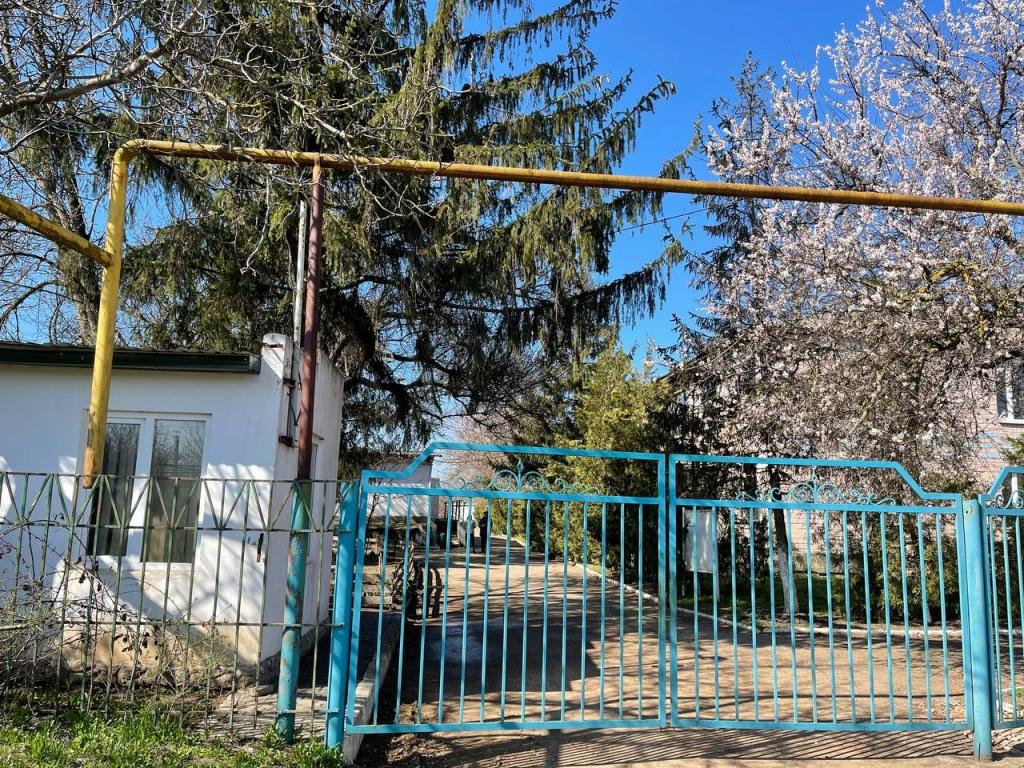 Общежитие со своей территорией. 2920 кв.м. Дальник.