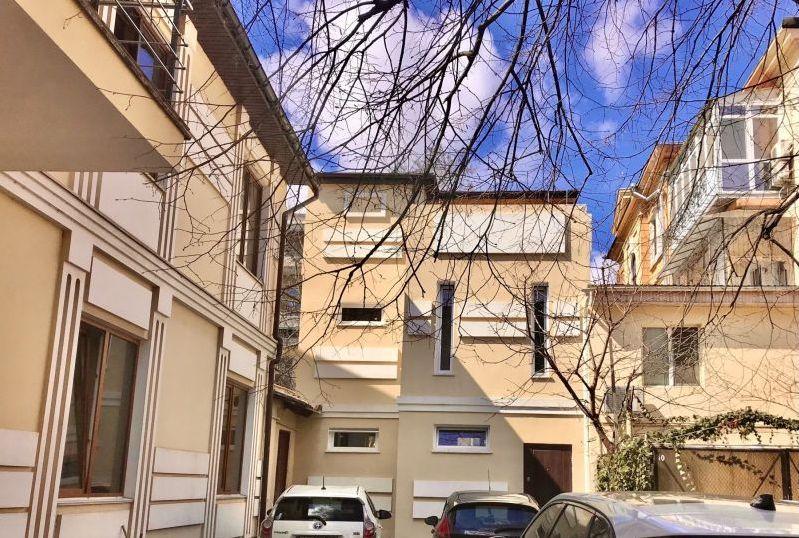 пер.Маяковского/Гоголя, квартира в 3х уровнях.