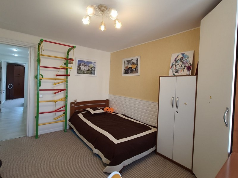 3-х комнатная квартира 80 кв.м. на 9 ст. Люстдорфской дороги