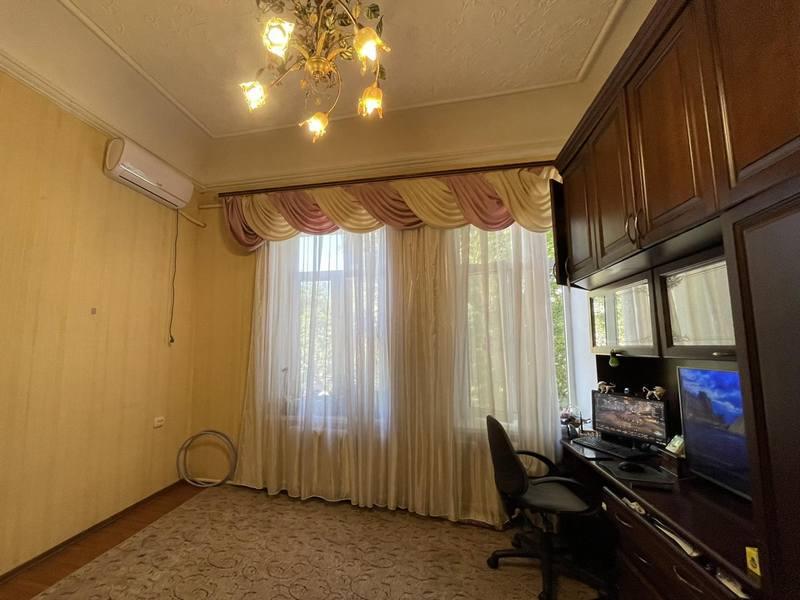 Комната в коммуне на ул. Базарной