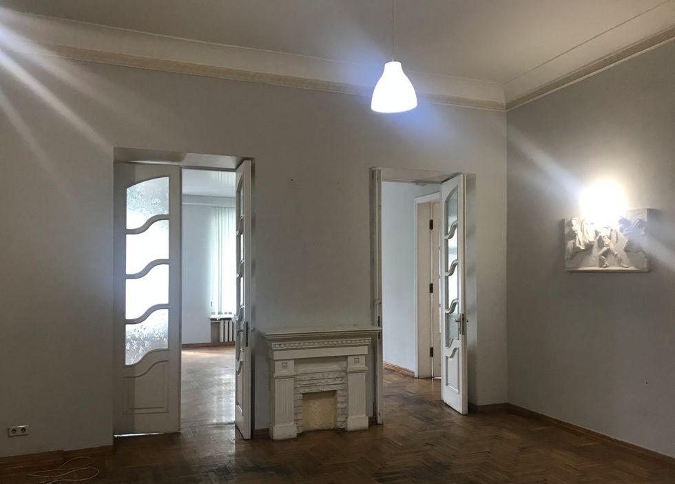 Продам квартиру ул. Пушкинская\ ул. Базарная. 167 кв.м.