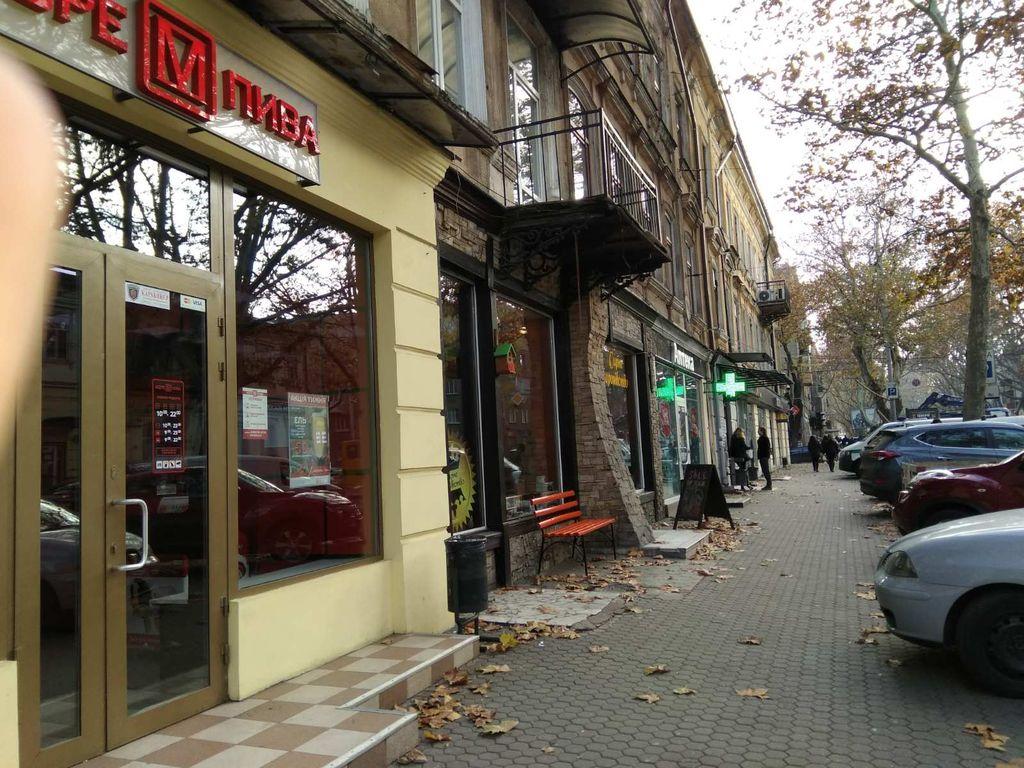 Аренда магазина на Ришельевской, 33.  70 кв.м