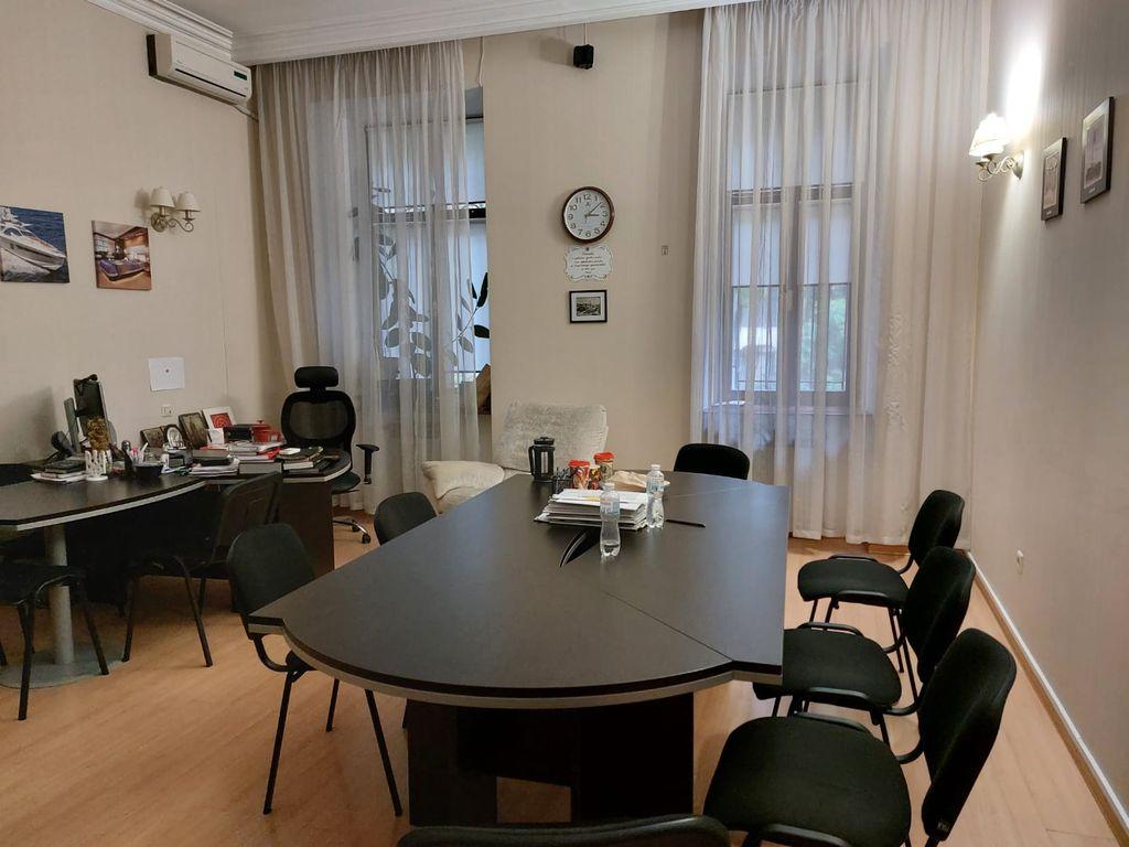 Аренда офиса на Французском б-ре / Азарова, 200 кв.м